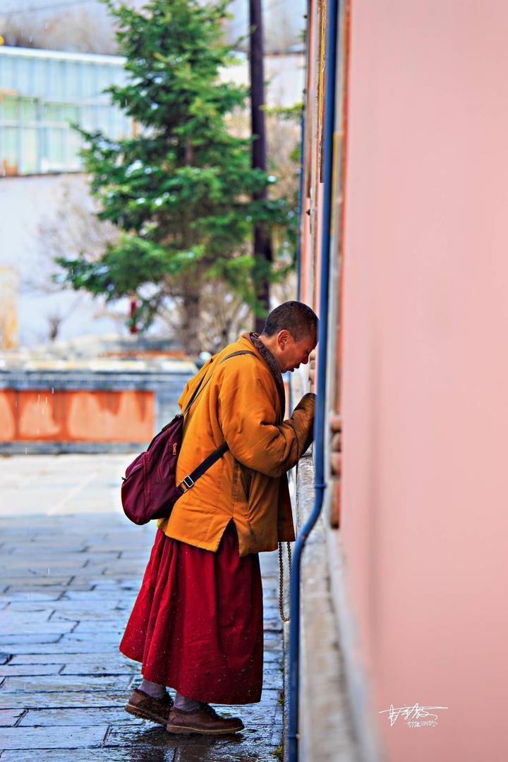 【卡赫旅途无止净】这个600多年藏传佛教圣地,先有塔后有寺