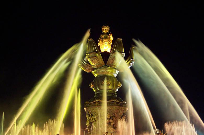 灵山大佛喷泉_杭州到无锡灵山大佛一日游九龙灌浴、灵山梵
