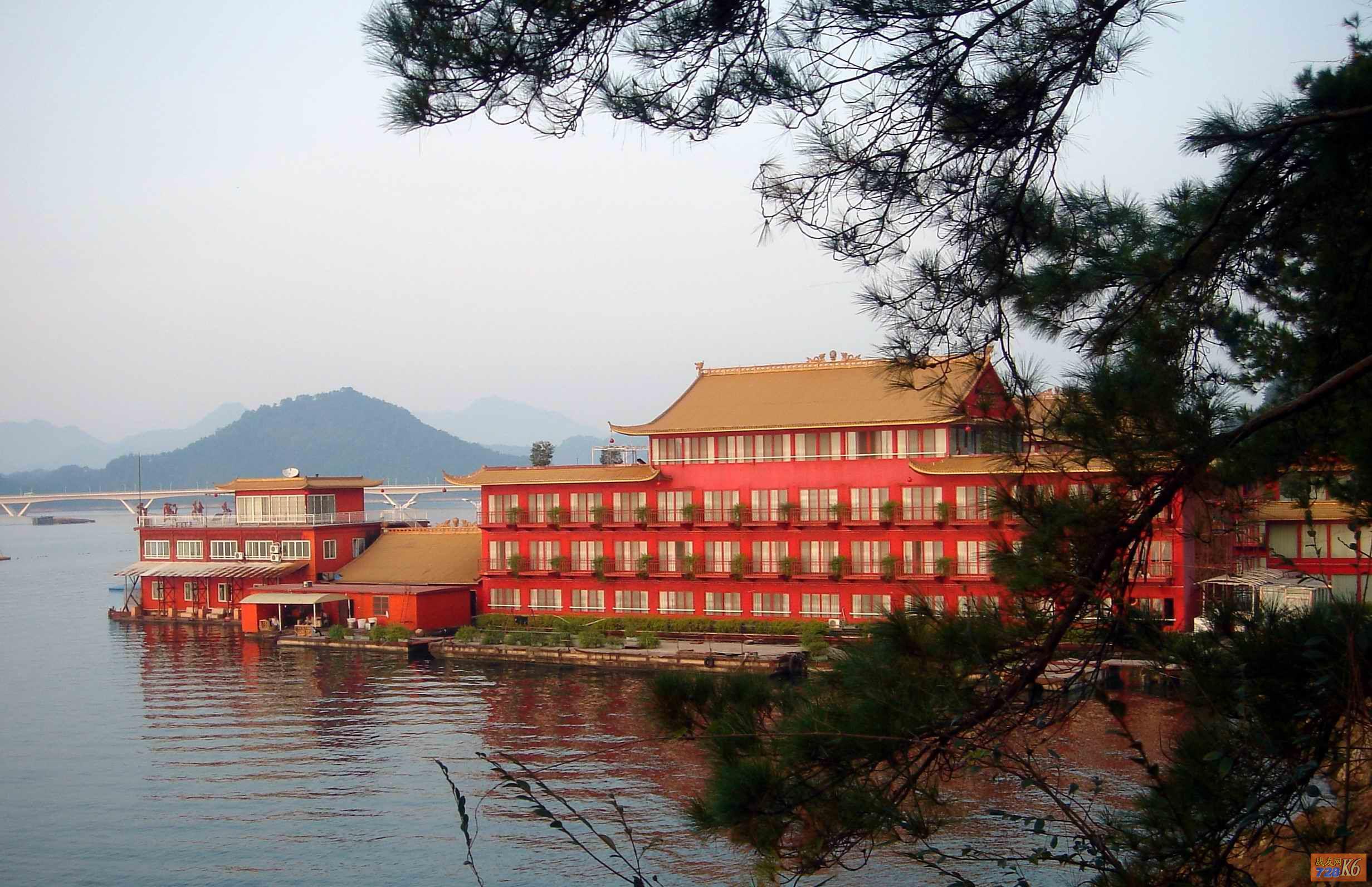 【浮在水上的酒店】住1晚千岛湖秀水舫酒店+
