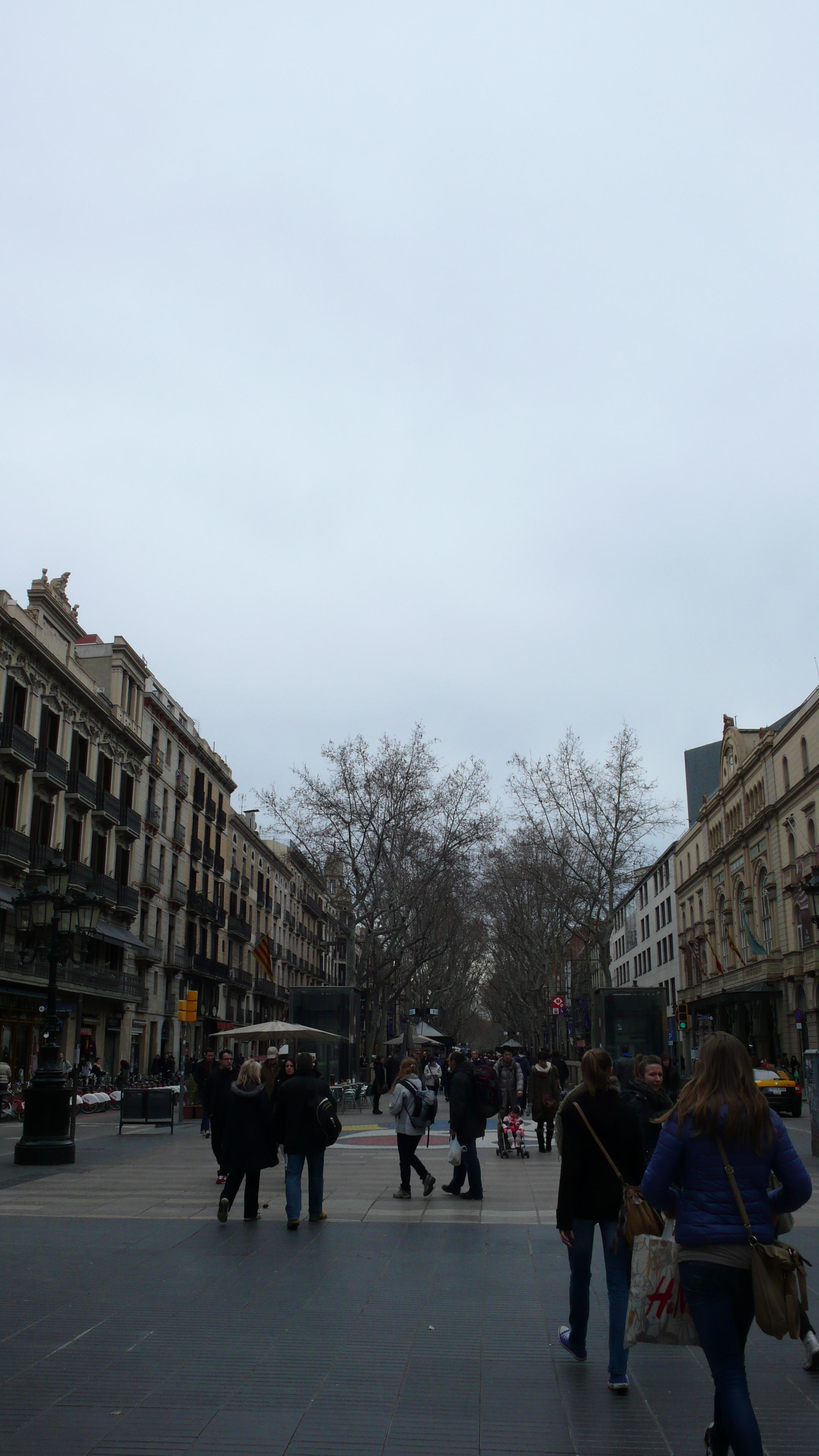兰布拉大道兰布拉大道巴塞罗那的大道和国内最大的区别 驴妈妈点评