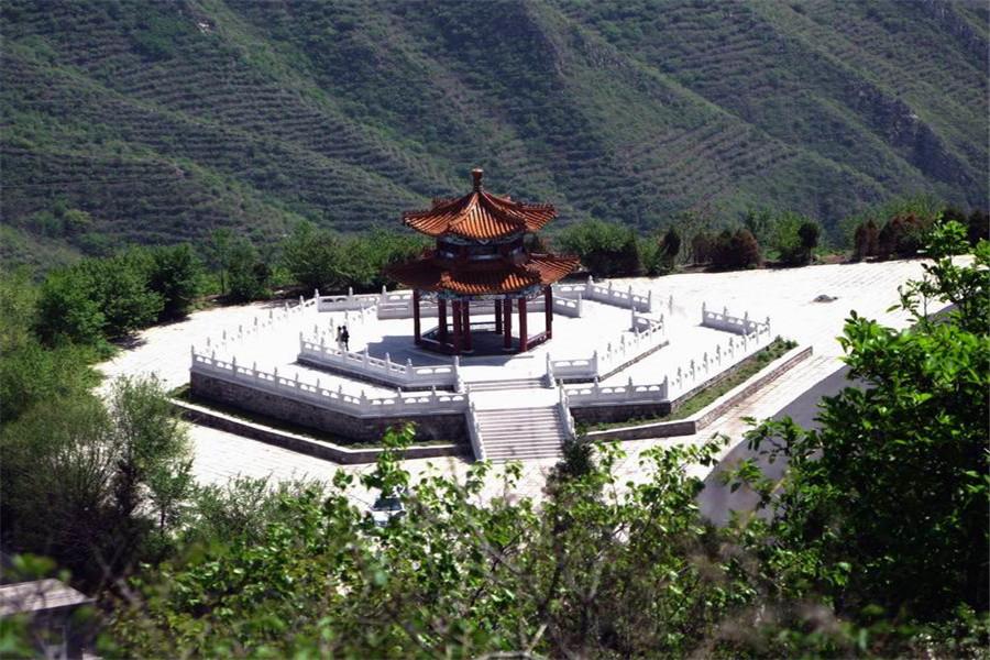 北京金隅凤山培训中心蟒山国家森林公园介绍/费用图片