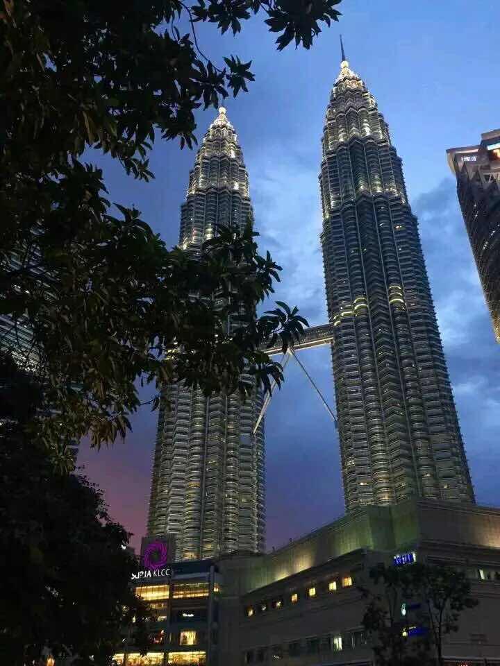 新加坡、马来西亚4晚5日游(包含签证和小费 船