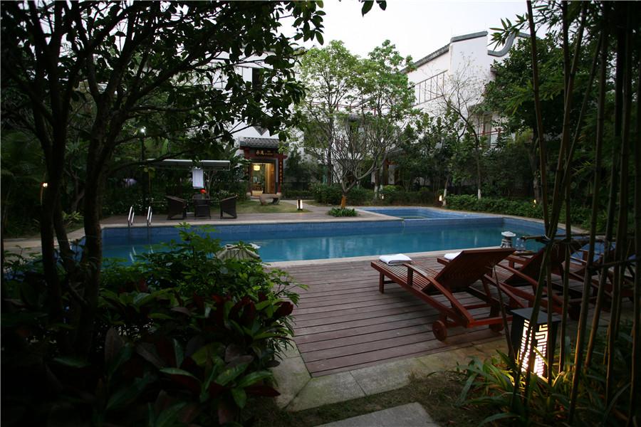 住一晚惠州罗浮山乐逸阳光假日酒店 双早 罗浮山风景区门票两张