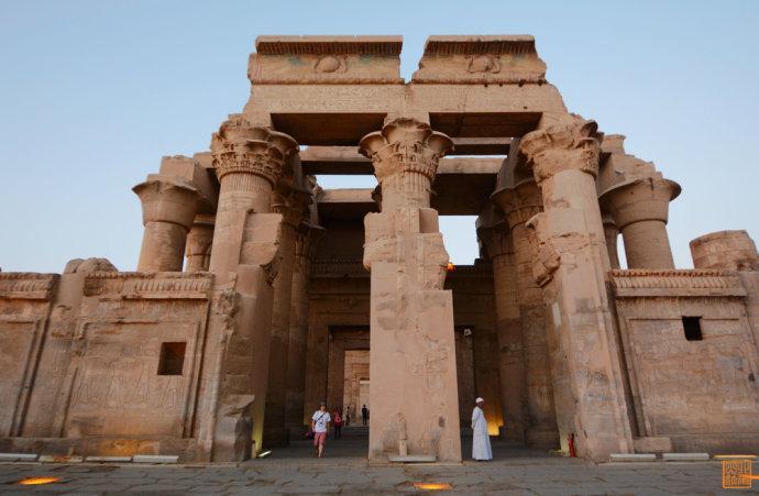 穿越时空去埃及与法老约会图片