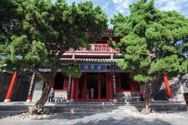威海、蓬莱八仙渡、青岛刘公岛、大连5日双飞美食宝山谷森游公园图片