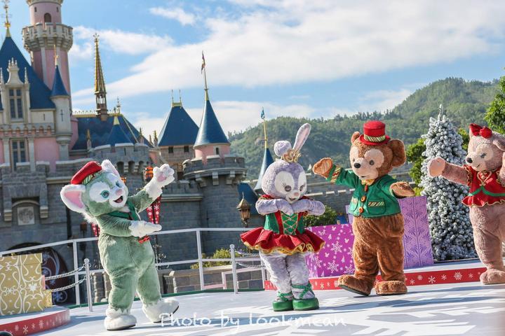 今年圣诞最浪漫的事,是到香港迪士尼看2017第一场雪图片