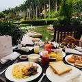 三亚双飞5日4晚自由行(三亚亚龙湾瑞吉度假酒店,享免费迷你吧、穿梭巴士、享73平米房间、精致园林及沙滩、丰富早餐、管家式服务)